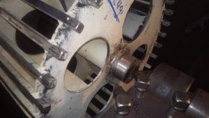 głowica napędzająca przenośnik taśmowy w fabryce piwa